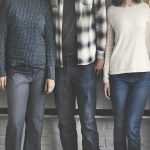 Los 5 signos que abandonaran a sus amigos por una relación